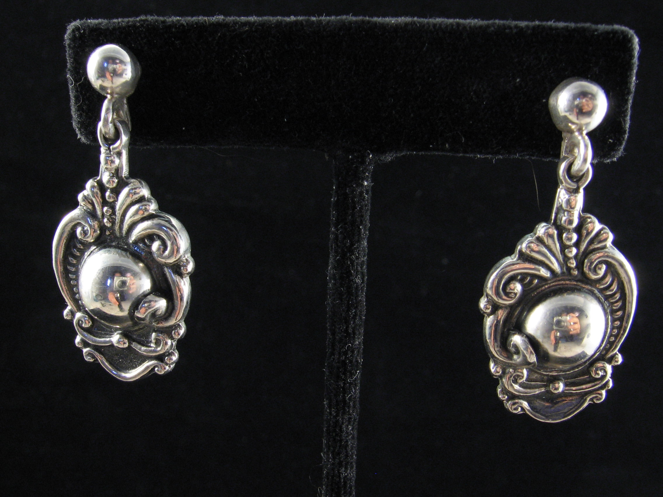 """dating taxco jewelry Dating jewelry is done through multiple methods – looking at (the first letter is for place of manufacture, most commonly """"t"""" for taxco the rest."""