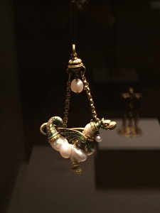 Pendant shaped like a dragon, baroque pearls, gold, enamel, late 16th/early 17th century